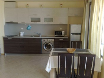 Сдаю люкс апартаменты в г. Поморие на берегу моря - 010120085641.jpg