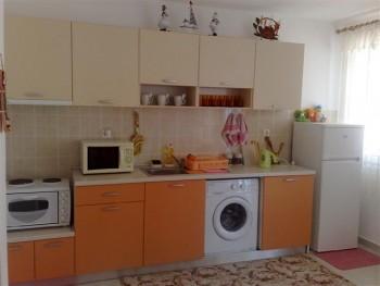 Лето в Болгарии.Сдам апартаменты и комнаты в г.Поморие первая линия - 090720154178 (Small).jpg