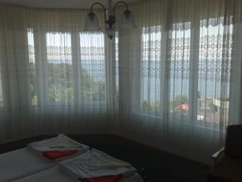 Лето в Болгарии.Сдам апартаменты и комнаты в г.Поморие первая линия - 020620121169 (Small).jpg