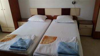 Лето в Болгарии.Сдам апартаменты и комнаты в г.Поморие первая линия - 20160529_173556 (1) (Small).jpg