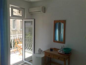 Лето в Болгарии.Сдам апартаменты и комнаты в г.Поморие первая линия - 020620121163 (Small).jpg